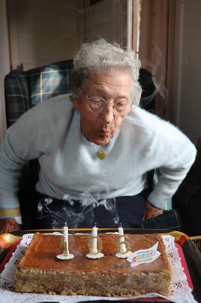 Louisa 106 ans bougies 3 hd